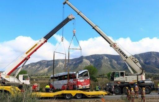 سبع طالبات ايطاليات والمانيتين كن من بين 13 طالبة قتلن في حادث تعرضت له حافلتهن في شمال شرق اسبانيا الاحد – صيحة بريس