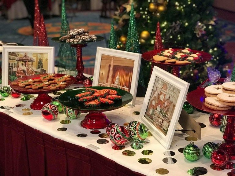 Holiday Cookie Stroll Returns To Epcot's Festival of The