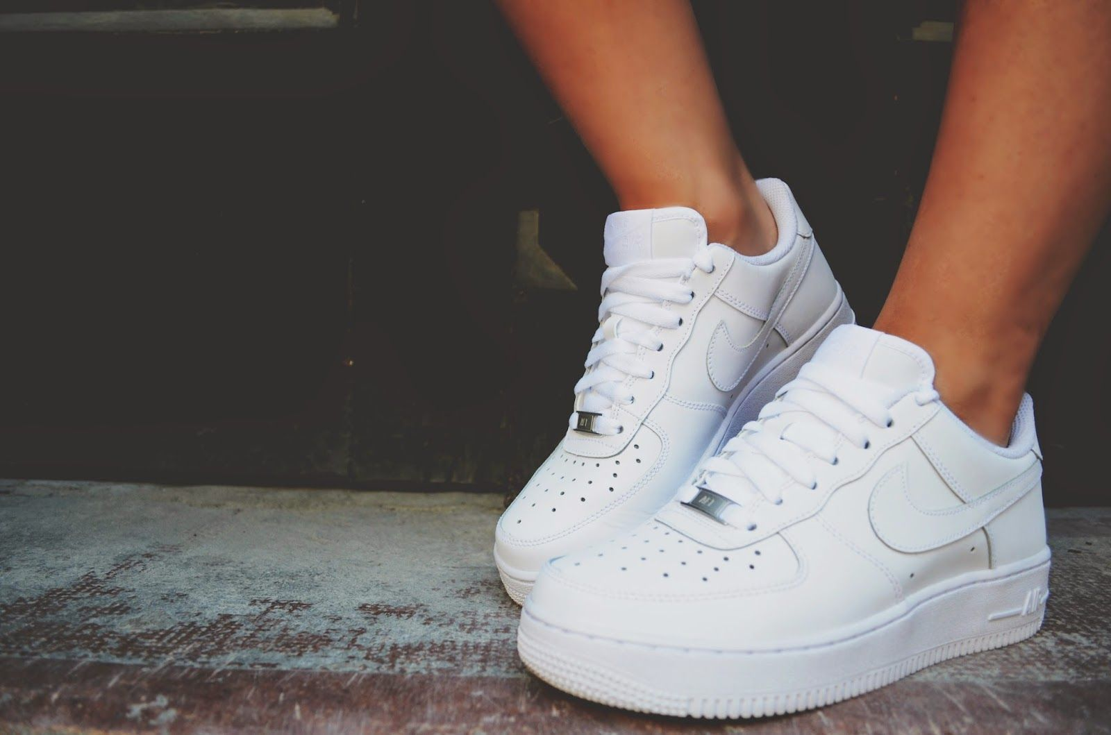 WEARING NIKE AIR FORCE 1 | Zapatillas nike blancas, Zapatos ...