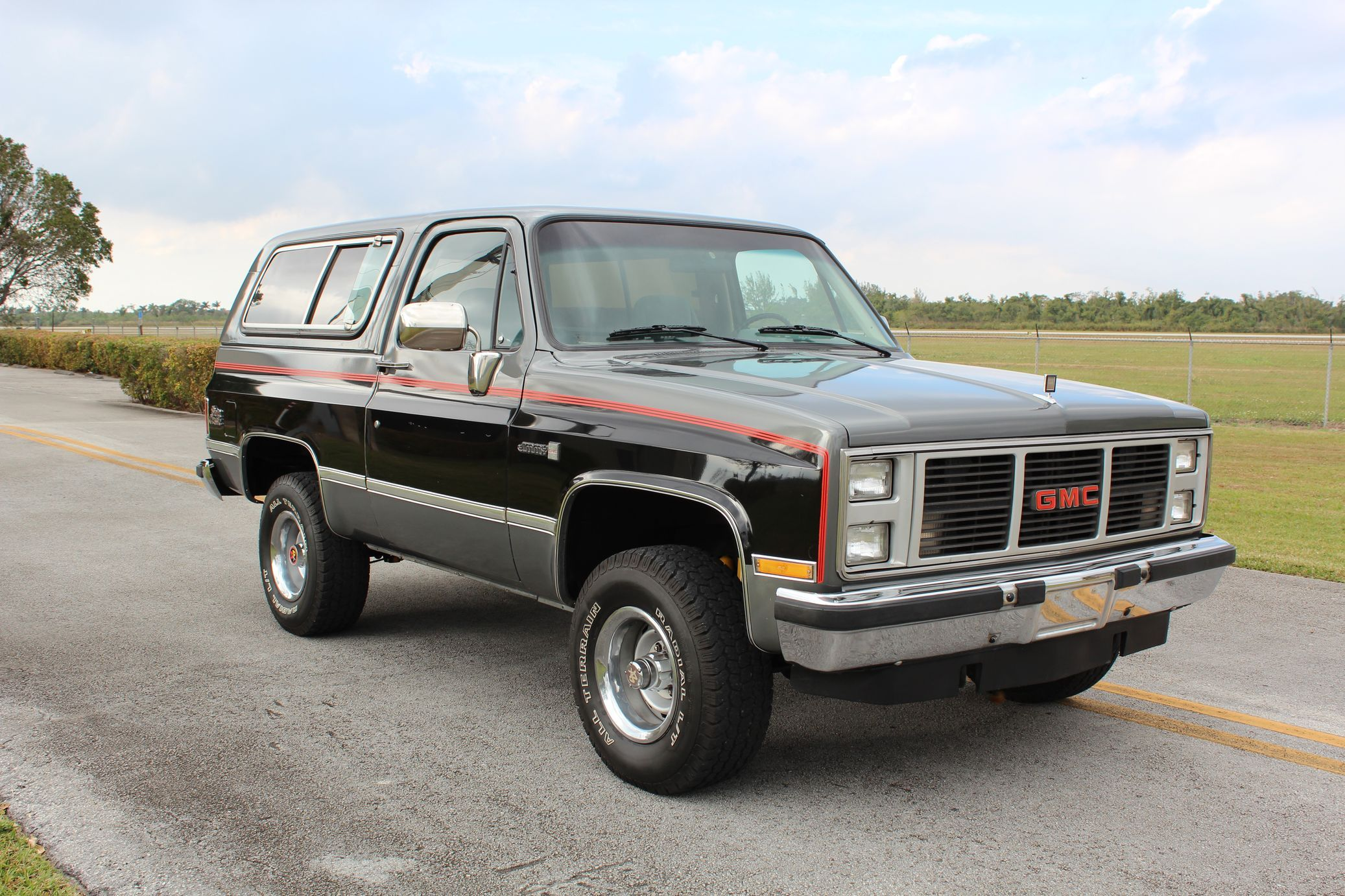 1987 Gmc Jimmy 4 4 In 2020 Gmc Classic Chevy Trucks Vintage