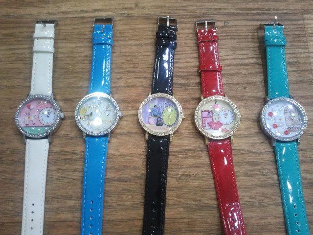 ساعات رسوم بارزة السعر للدرزن 360 واشكال منوعه رائعه Leather Leather Watch Accessories