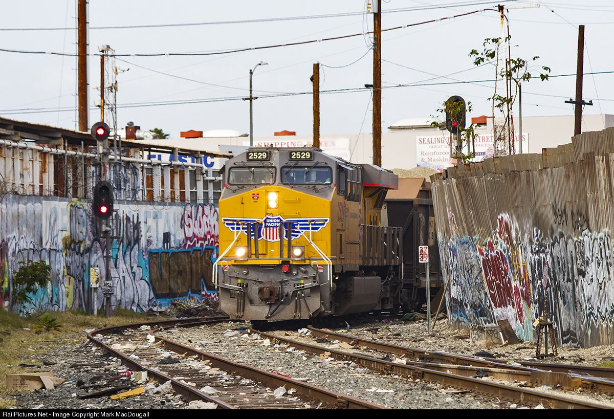 RailPictures Net Photo: UP 2529 Union Pacific GE ES44AC at