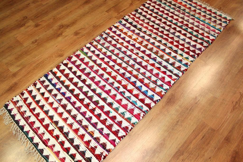 Räsymatto // Strehög of Sweden - Lindby (multi)  Tykkäsin tästäkin matosta. Makkariin? Sinnekin tarvittais ehkä pieni matto.