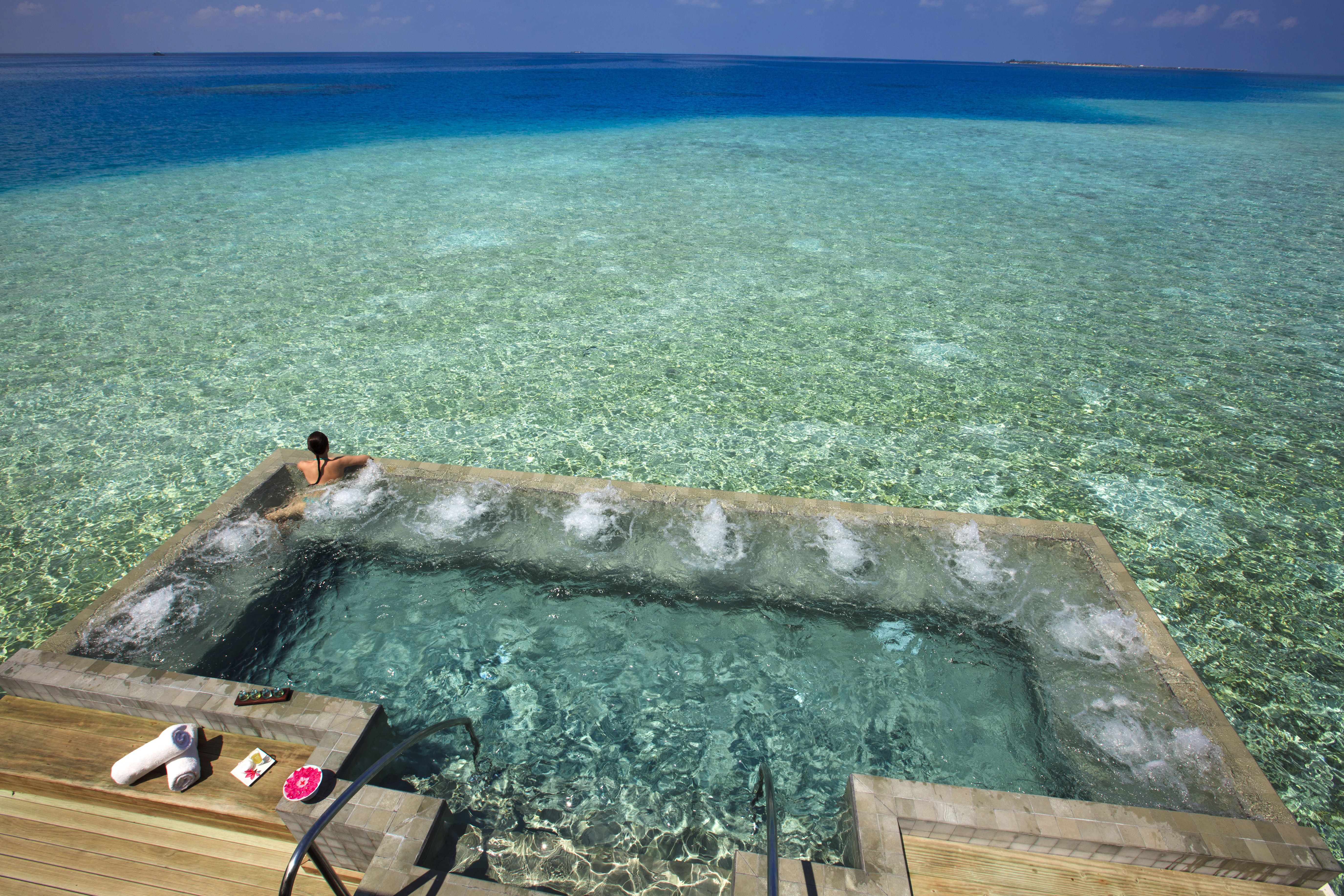 Velassaru, Maldaves!  Absolute HEAVEN!  Katherine, I can picture us in this pool one day.