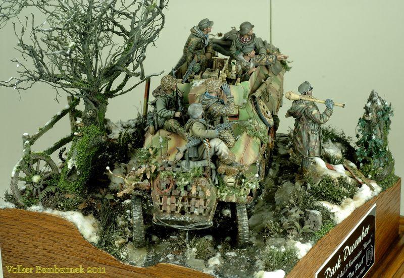 """""""Dark December"""" 1/35 scale. W.I.P. By Volker Bembennek. German Sd.Kfz.251/9 Kanonenwagen late """"Stummel"""". Waffen-SS 1944 #diorama #vignette #figure_model #WW2"""