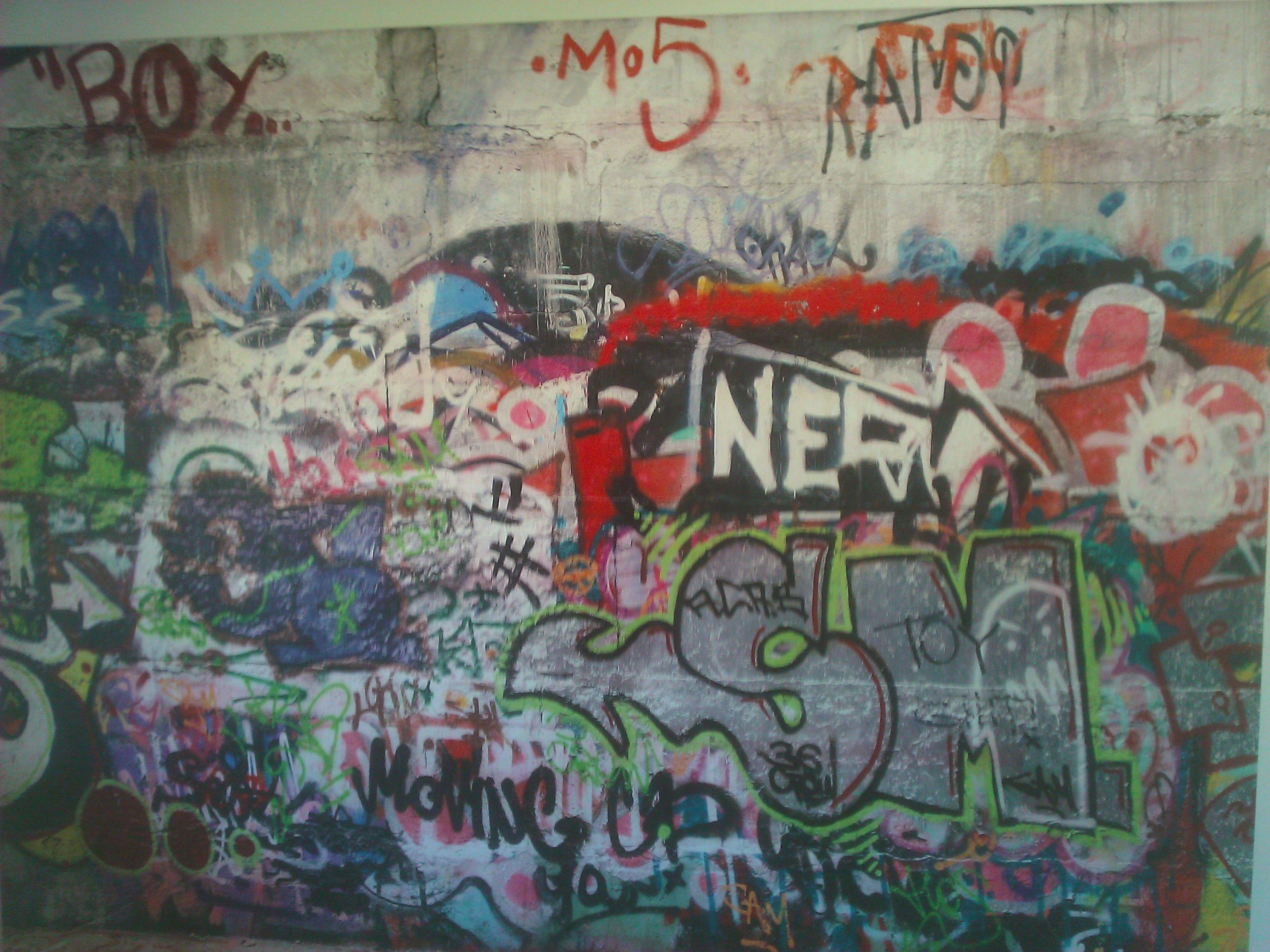 Grafitti Wallpaper Mural In 2020 Removable Wall Murals Graffiti Mural