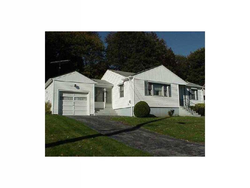 Homes for sale 37 MARIBETH DR, Johnston, RI 02919