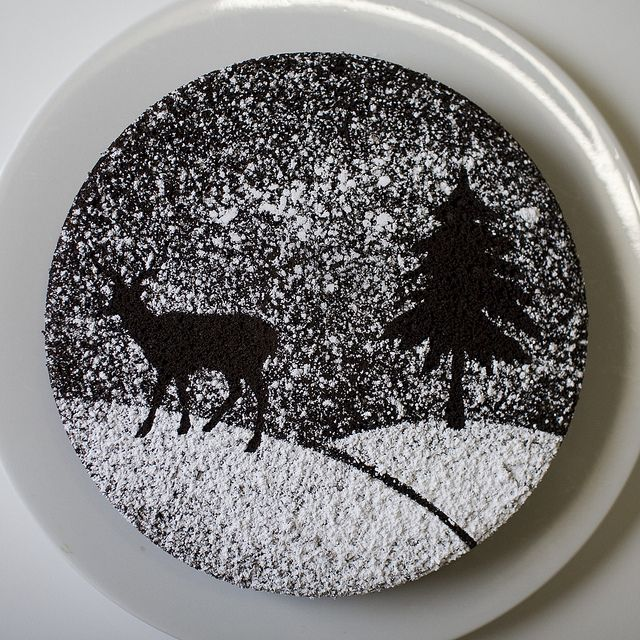 Sugar Cake Decorations For Christmas : DIY: Powdered sugar stencils. Cut out a stencil from paper ...