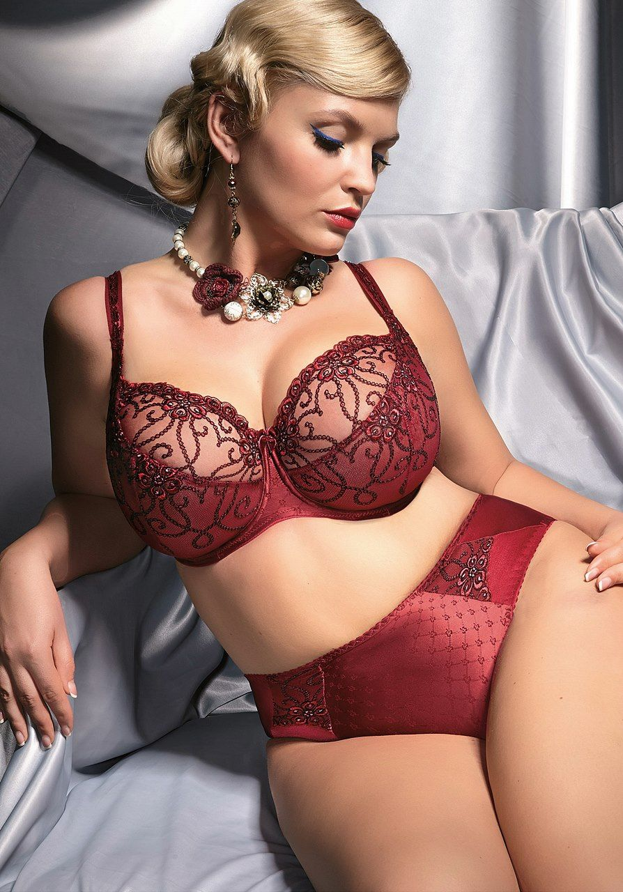 16 Best Bras   Bralettes for Full Busted Women images  54acac887