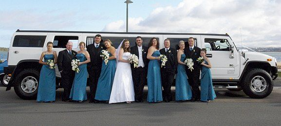 Our Services Are Recommended To Celebrate A Wedding Anniversary - Hummer limos for prom