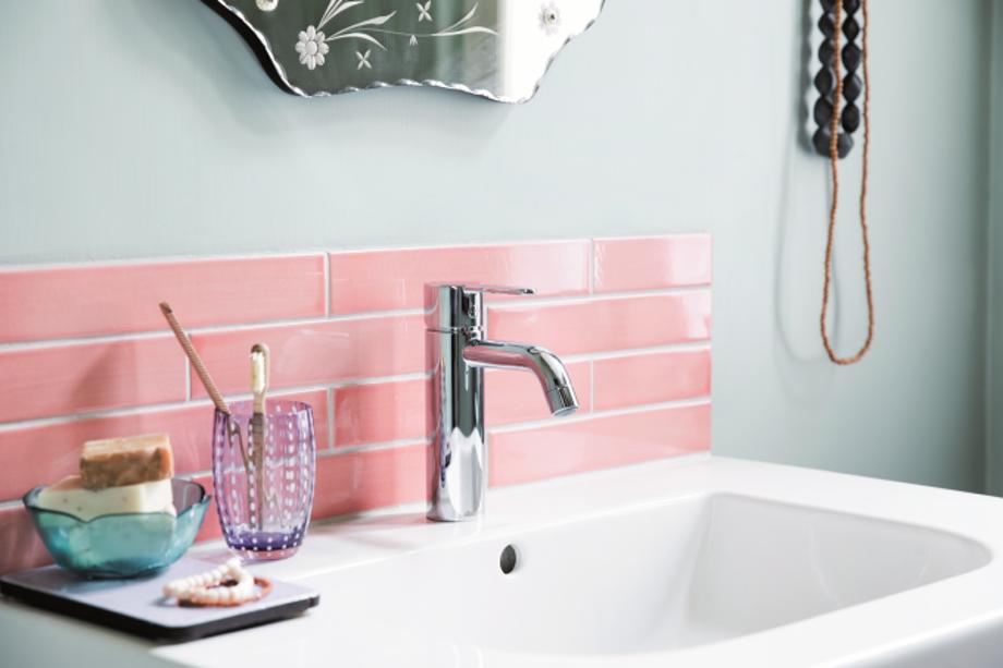 5 tips til at få dit lille badeværelse til at syne større