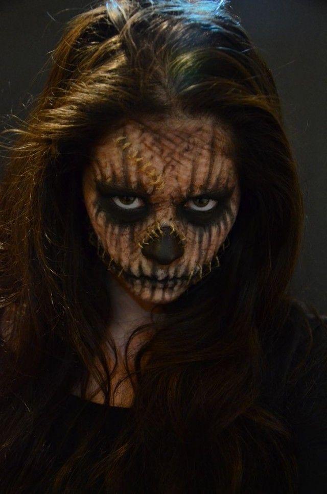 Gruselige Halloween Schminke Frau Gesicht Kratzer Nahten Zeichnen