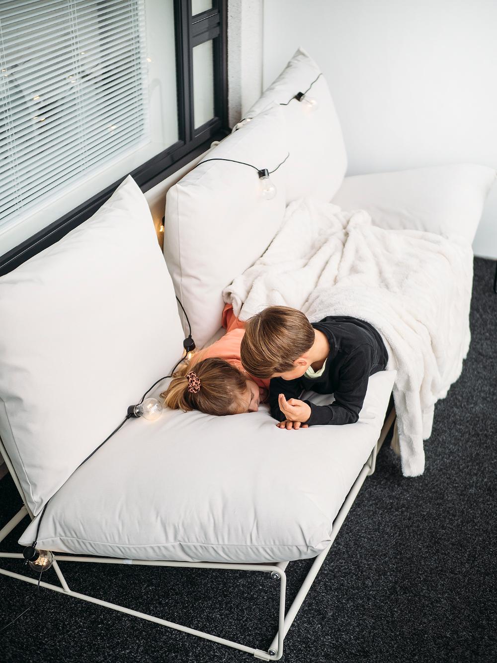 Viikonloppu kotona + uusi sohva - Magicpoks
