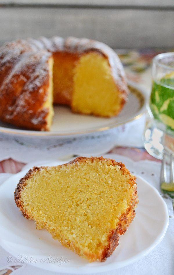 Recipe for a moist sour cream pound cake