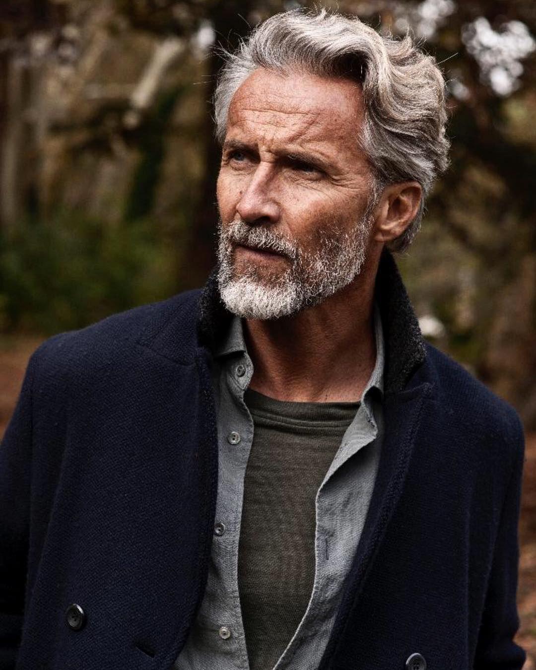 sɴɪᴇɢᴅᴇᴊᴀ ☆ Ben Desombre | model | silver fox | Grey hair men, White hair  men, Older mens hairstyles