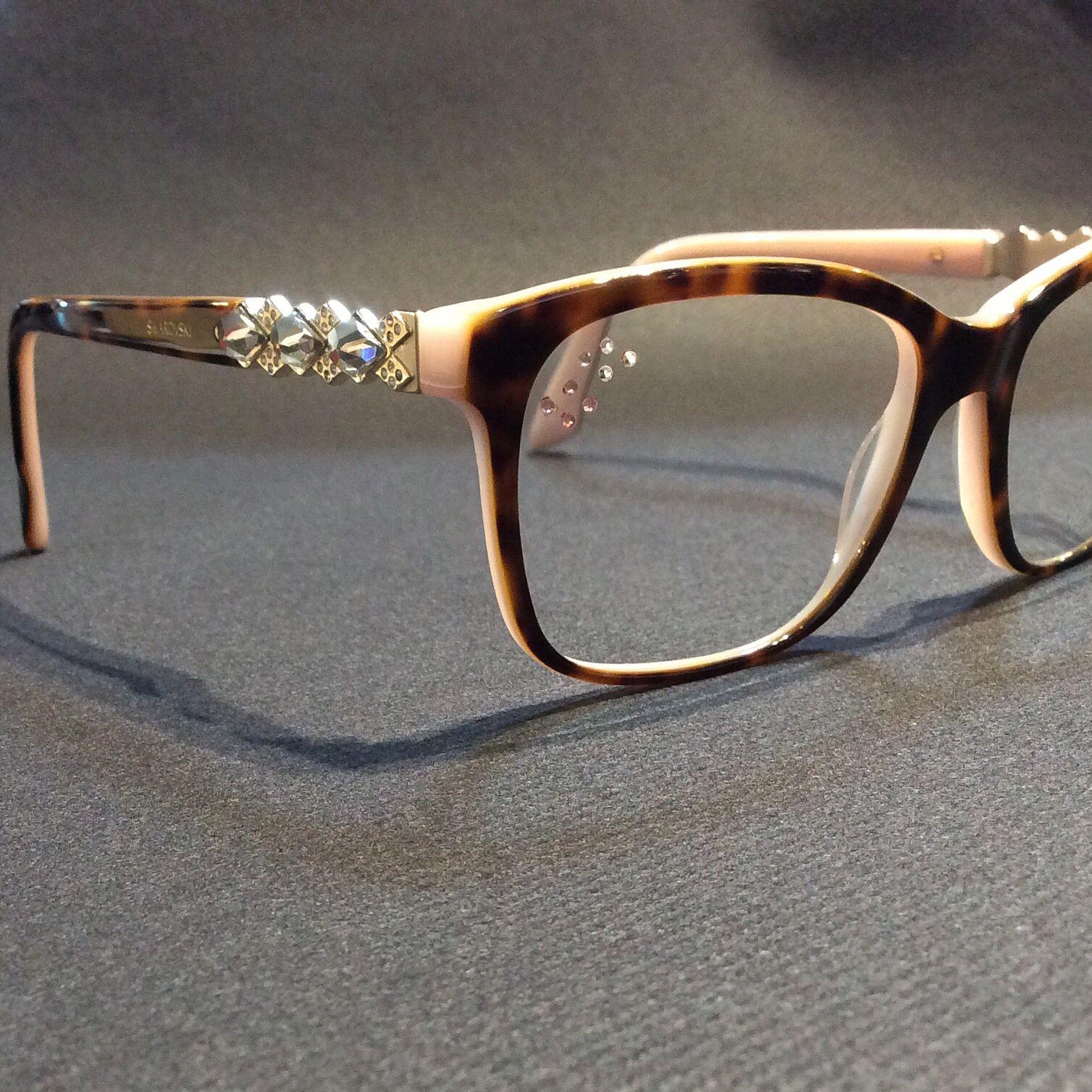 Optique 10/10. Strass Swarovski sur lunettes Swarovski...@swarovski ...