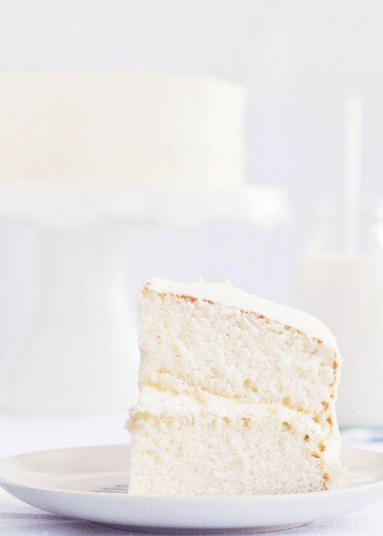 Vanilla Cake with Vanilla Bean frosting She has WONDERFUL tips