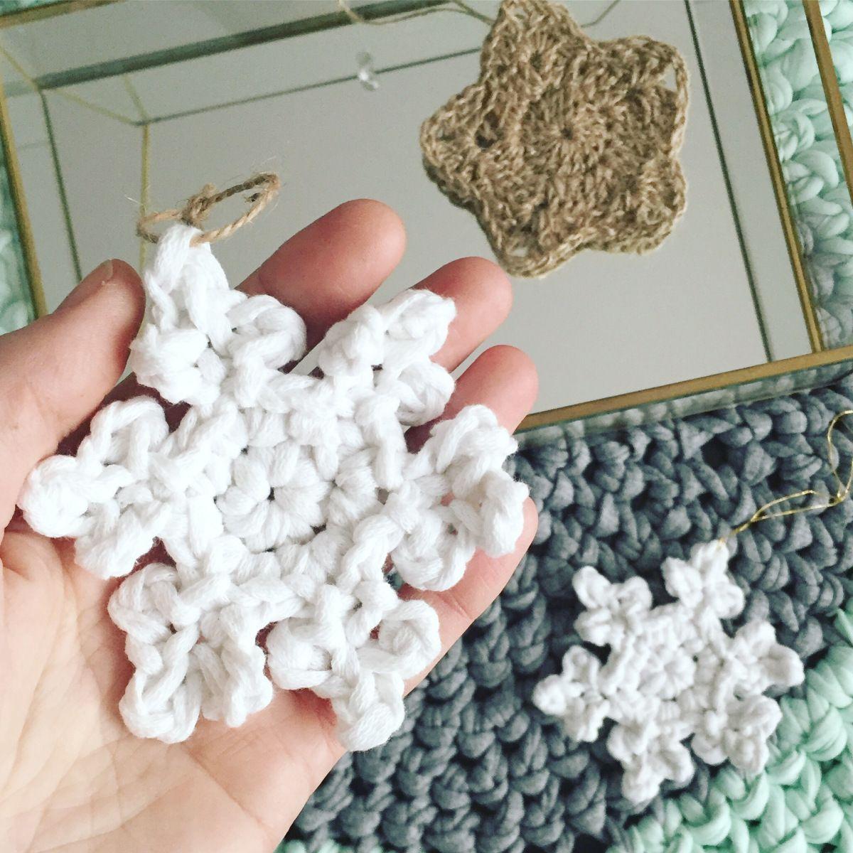 Copo de nieve de ganchillo XXL ( o trapillo ) – LIVING CROCHET LIFE ...