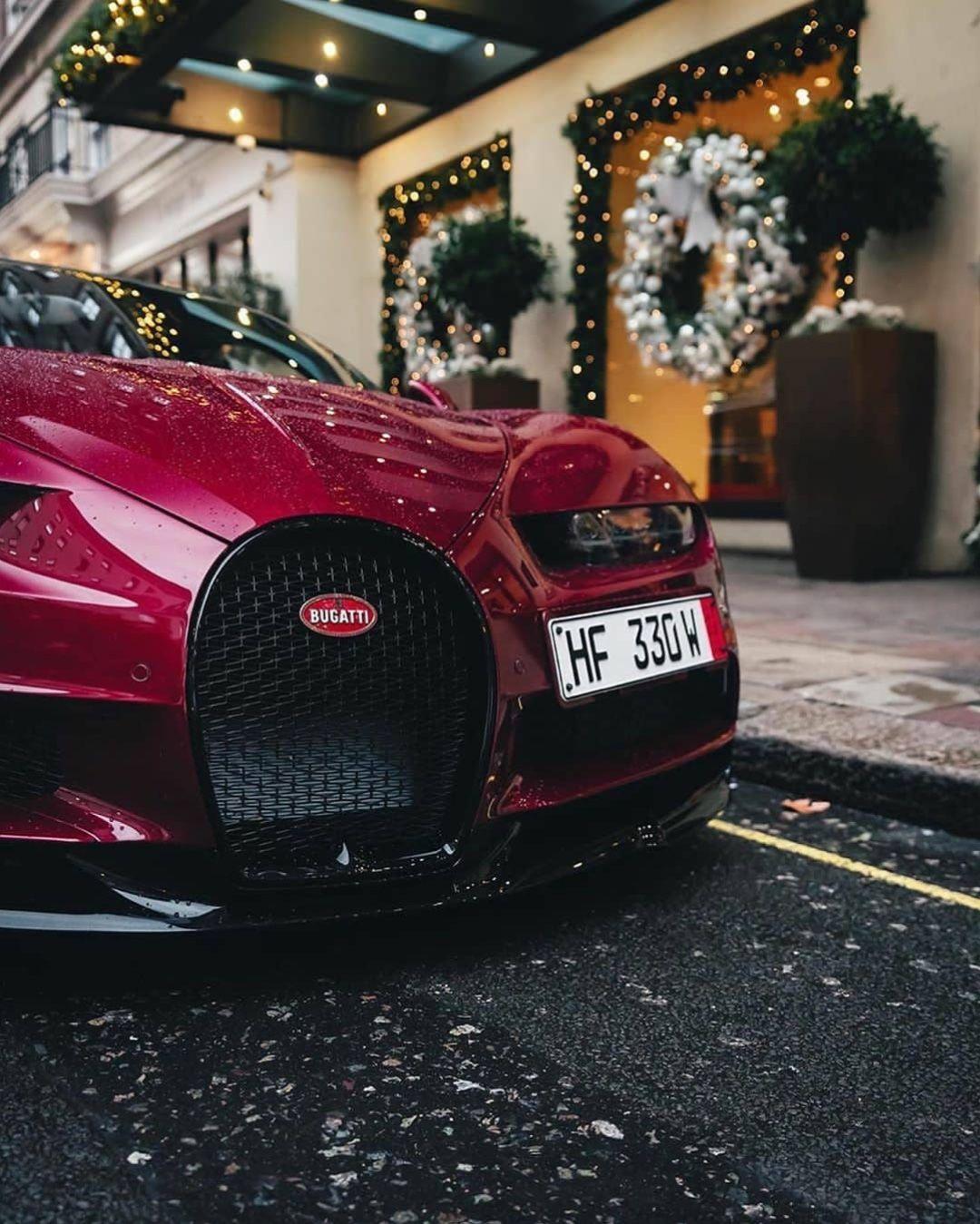 Bugatti Chiron in 2020 (With images)   Bugatti, Bugatti chiron, Sports cars luxury