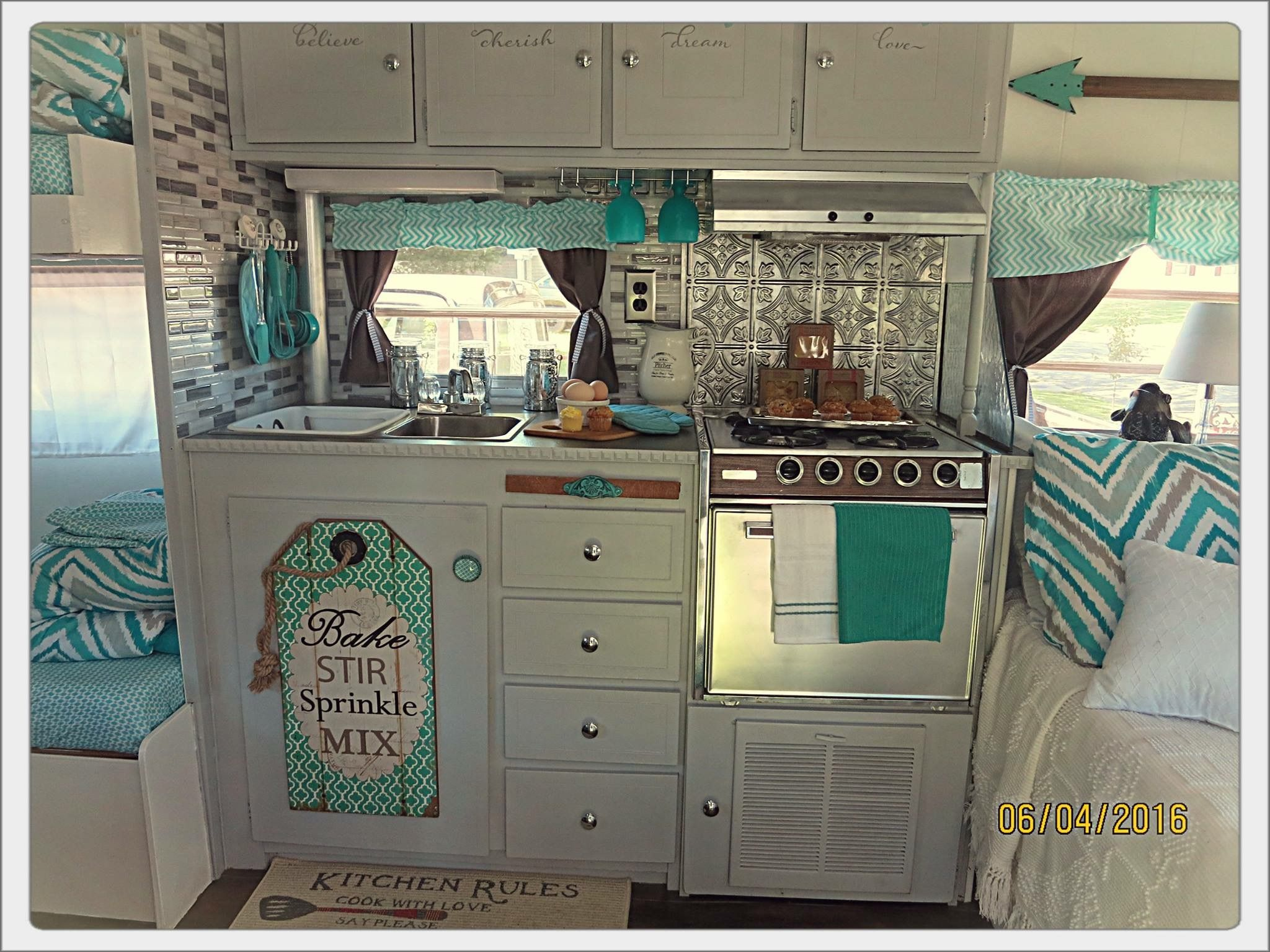 Pin By Bailee Massey On Apartments Remodeled Campers Vintage