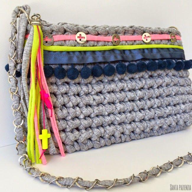Tu bolso de trapillo necesita un toque veraniego santa for Bolso crochet trapillo