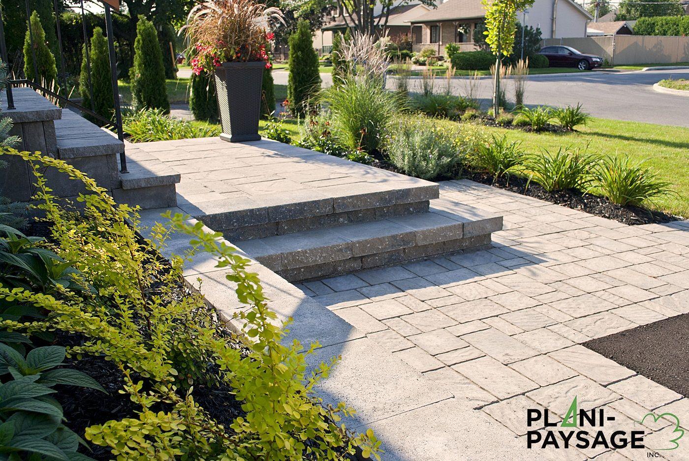 Front yard driveway landscaping ideas  Réalisation côté Jardin en façade PlaniPaysage  curb appeal