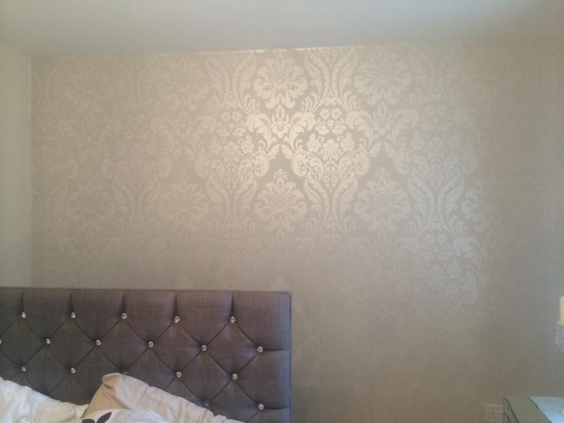 Colours Zara Silver Damask Glitter Effect Wallpaper