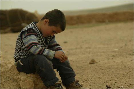 """derinnarkoz: """" Benim acılarım, küçük bir çocuk kokar; Gözlerine asar; mutsuzluğunu… """""""