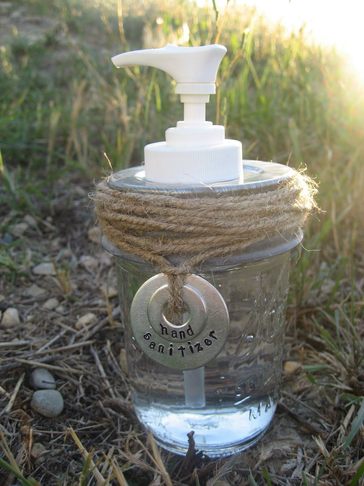Mason Jar Soap/Lotion Dispenser Tutorial Mason jar soap