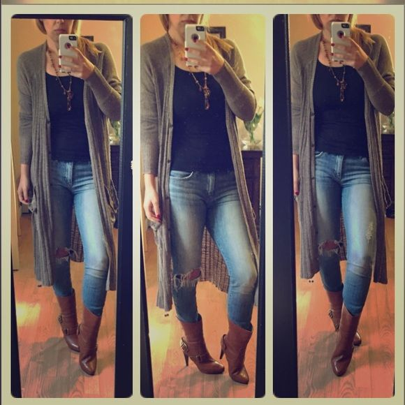 Free people olive duster Stripe Olive Pocket Snap Button Cardigan. The perfect long cardigan to get you through fall. Throw on and go! Features wide ribbing and patch pockets! Stretchy. Price firm Free People Tops
