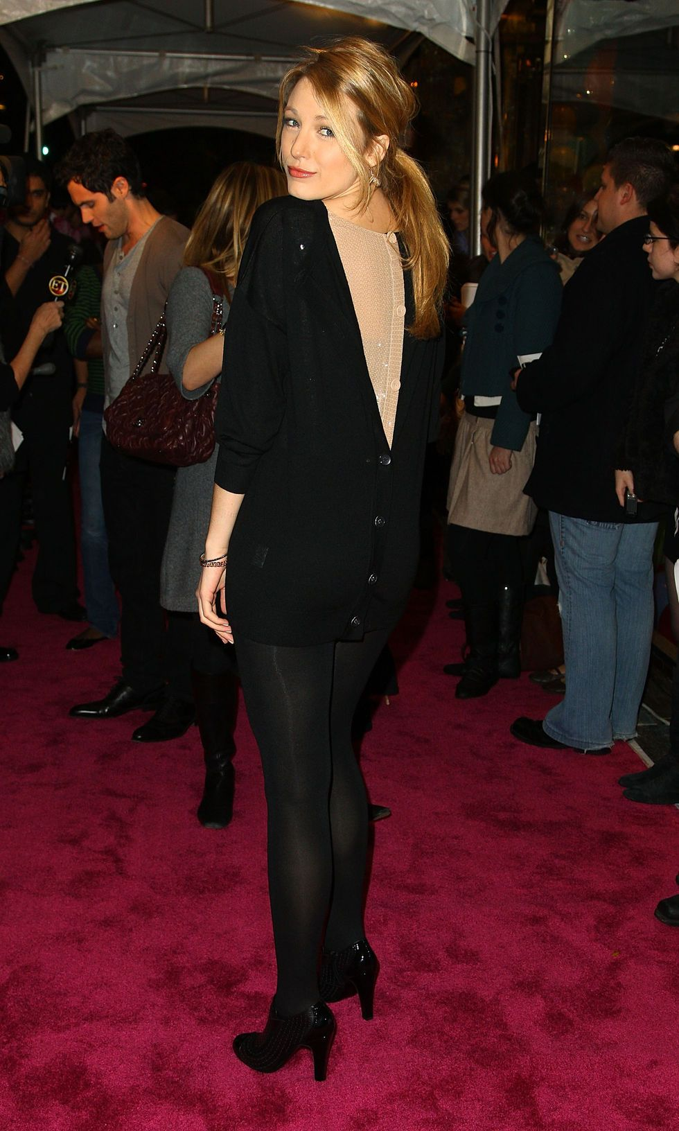 blake-lively-juicy-coutures-5th-avenue-flagship-store-opening-party-in-new-york-city-03