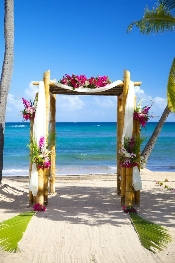 St Thomas Wedding Bolongo Bay Beach Resort Arch Ceremony Flowers Crown Images Photography