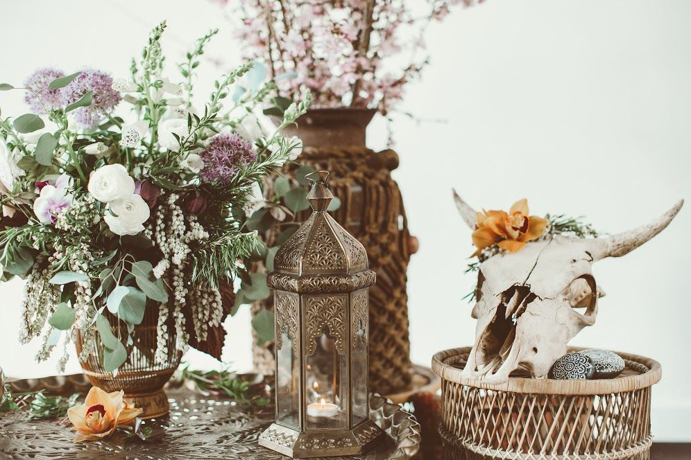 Details Of Bohemian Theme Wedding Decor With Cow Skull And