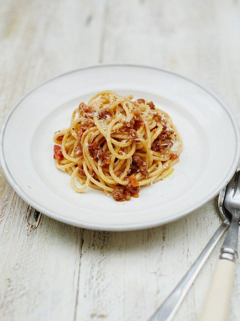 Deliciously Easy Spaghetti Bolognese Recipe Jamie Oliver Recipe Spaghetti Bolognese Recipe Bolognese Recipe Spaghetti Bolognese