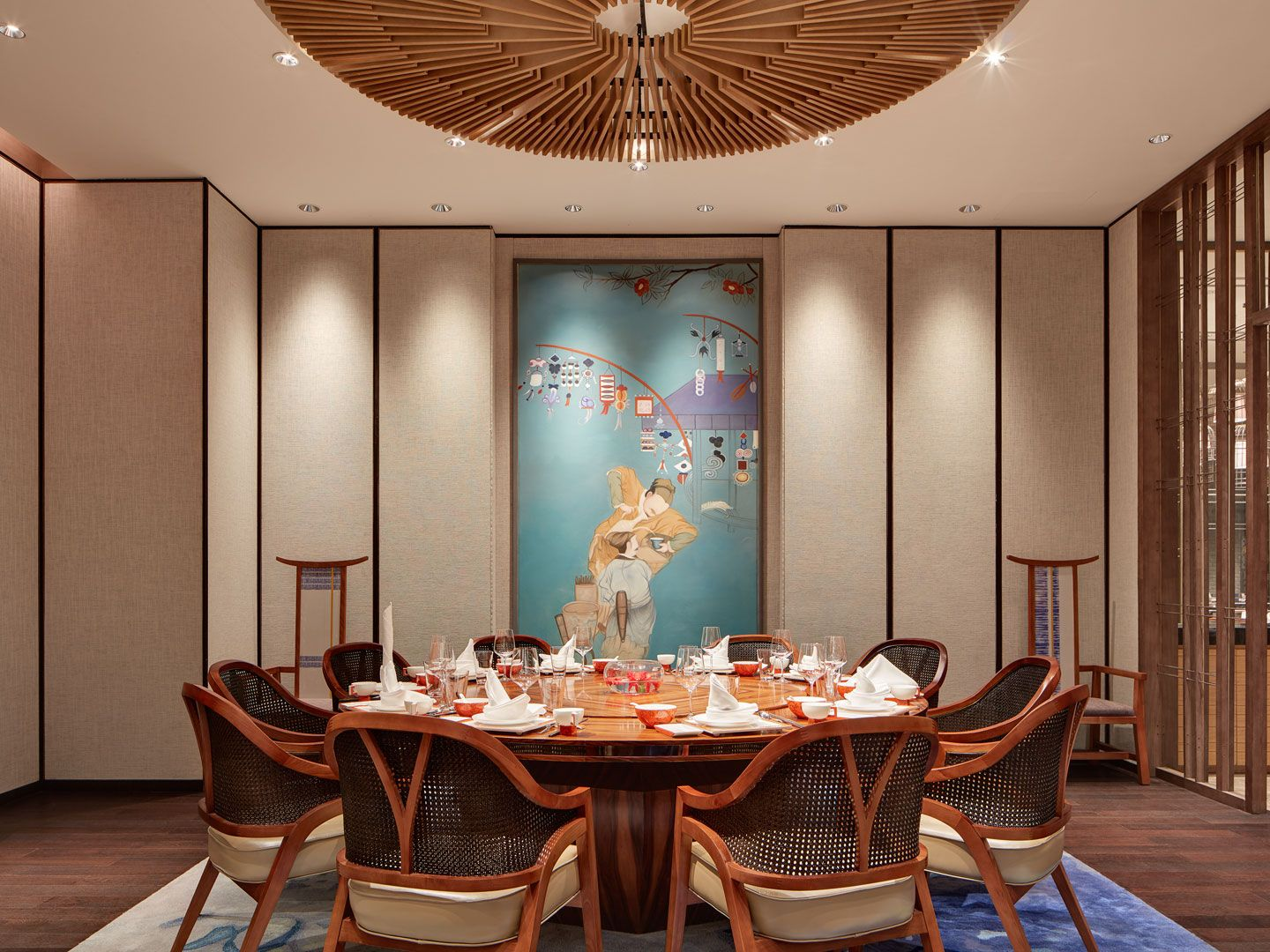 Chinese dining room decor
