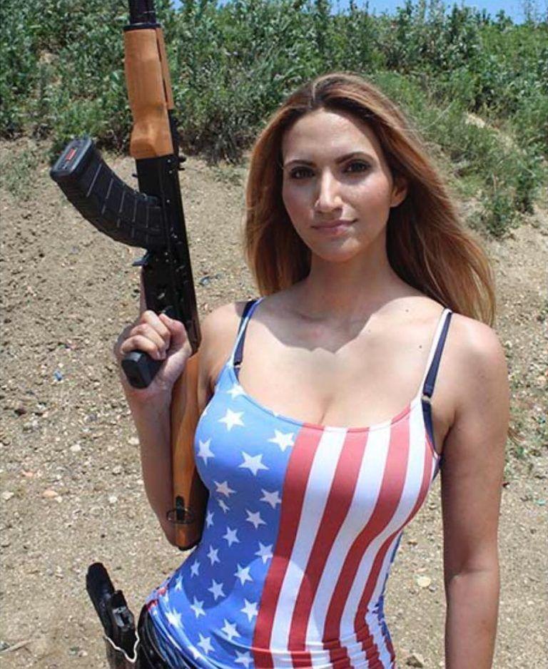 242ef0cf956 A hot girl with a gun. God bless America! :-) | Sports | Girl guns ...