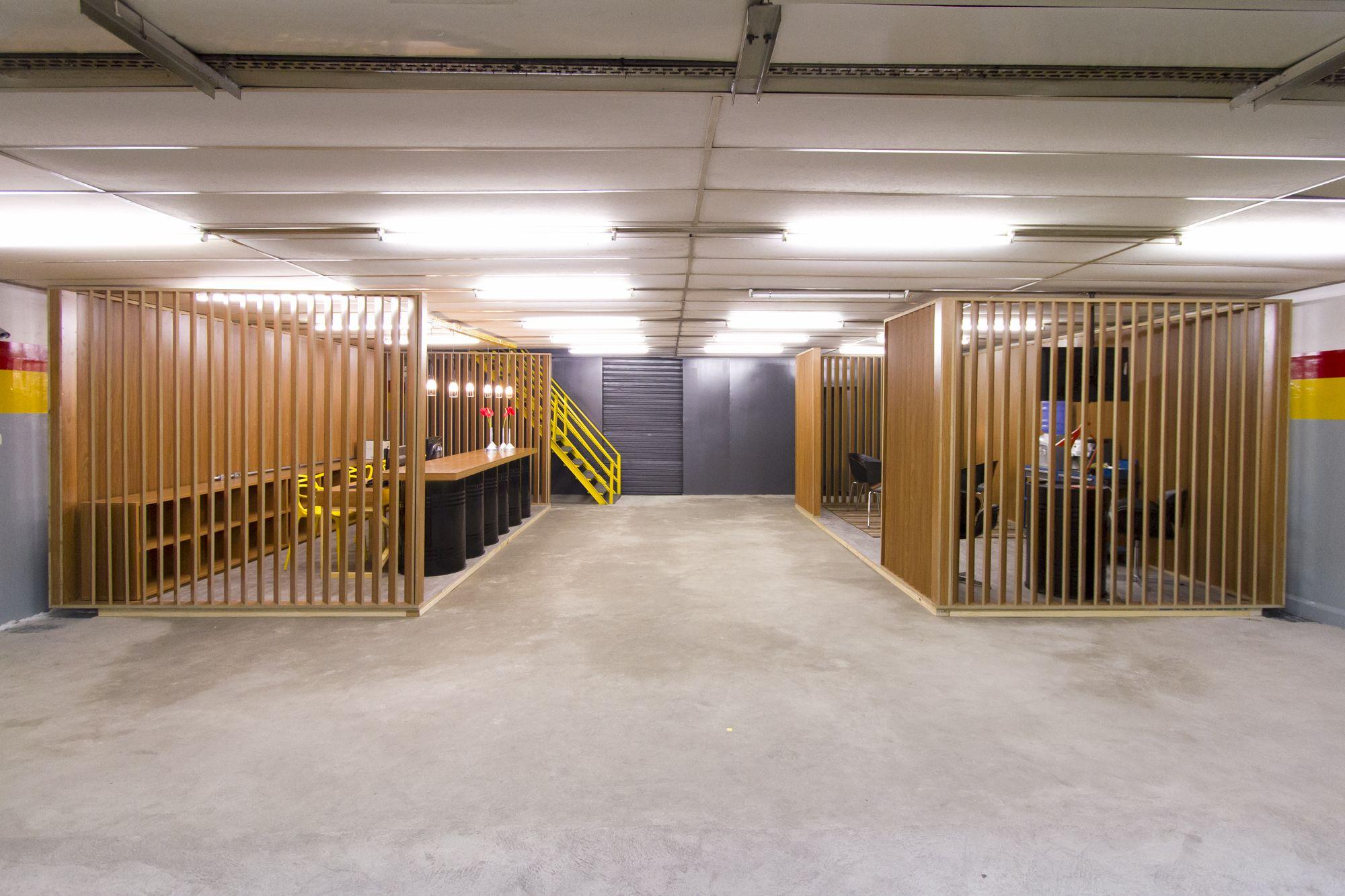 Decora rosenbaum temporada 2 oficina mec nica caixa de for Caixa valladolid oficinas