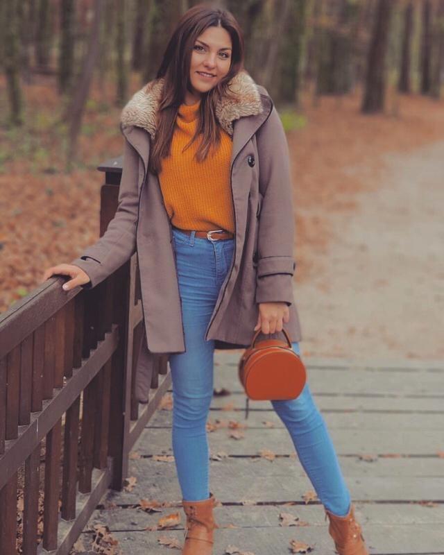 #autumnstyle #Fashiongirl #floralprint #sweater2017 #white ... sweater- #goingout #goingout #goingoutdresses #goingouttops