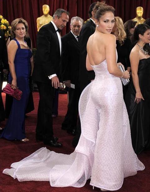 Jennifer Lopez in Armani Privé 3b2112f731c