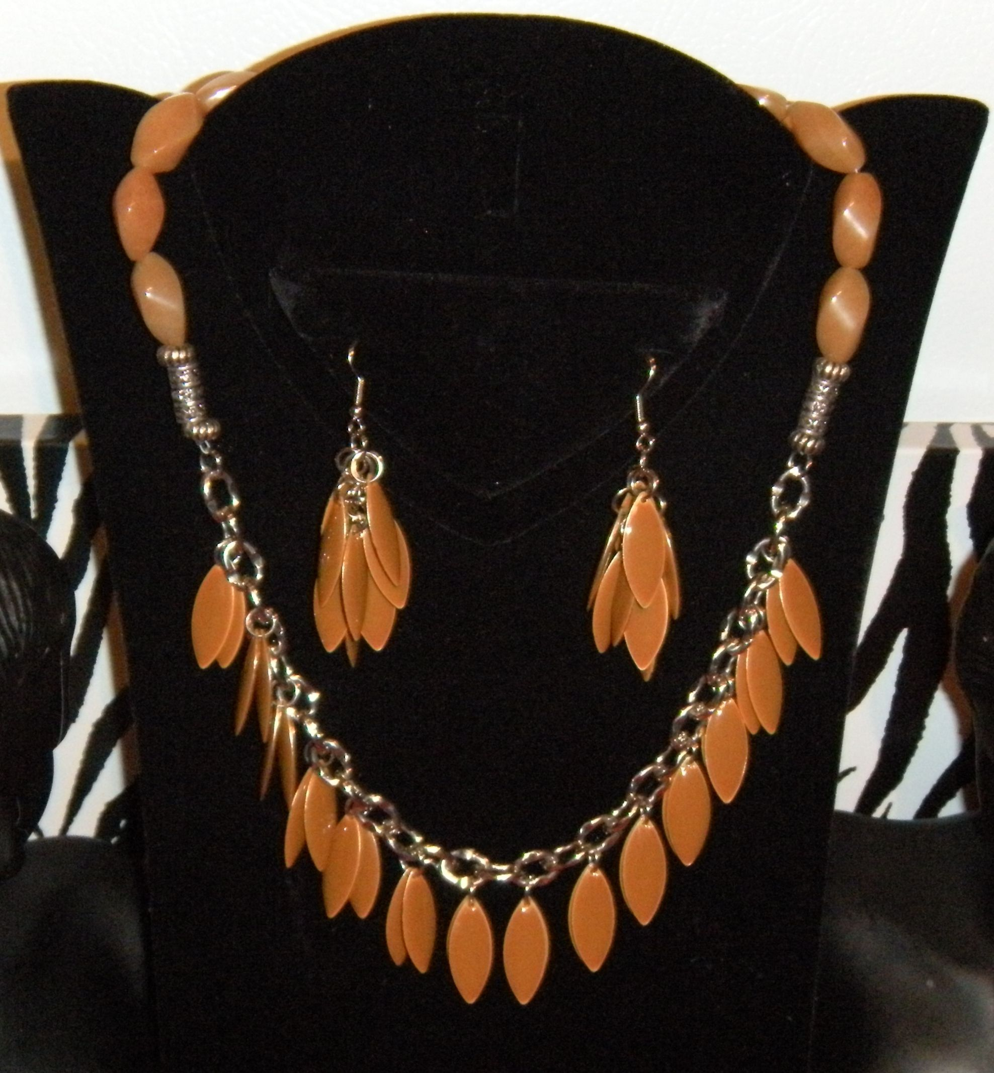 Necklace/earrings, another one of my favorites.