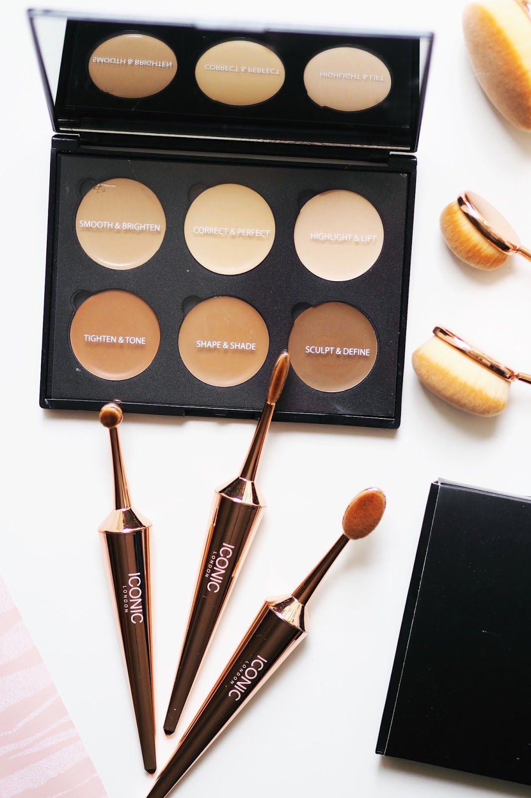 Is your makeup ICONIC? Beauty blog photography, Makeup