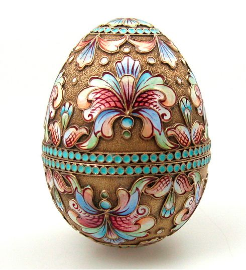 Story goes that in 1885 the russian tsar alexander iii decided to story goes that in 1885 the russian tsar alexander iii decided to give his wife the empress maria fedorovna an easter egg to celebrate the 20th negle Gallery