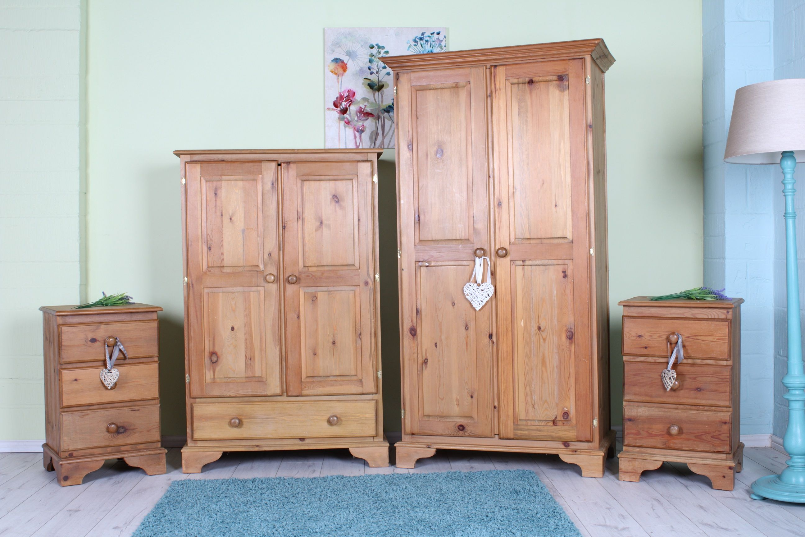 Solid Pine Bedroom Furniture Set Waxed Finish Light Rustic Look Can Courier Pine Bedroom Furniture Bedroom Furniture Sets Furniture