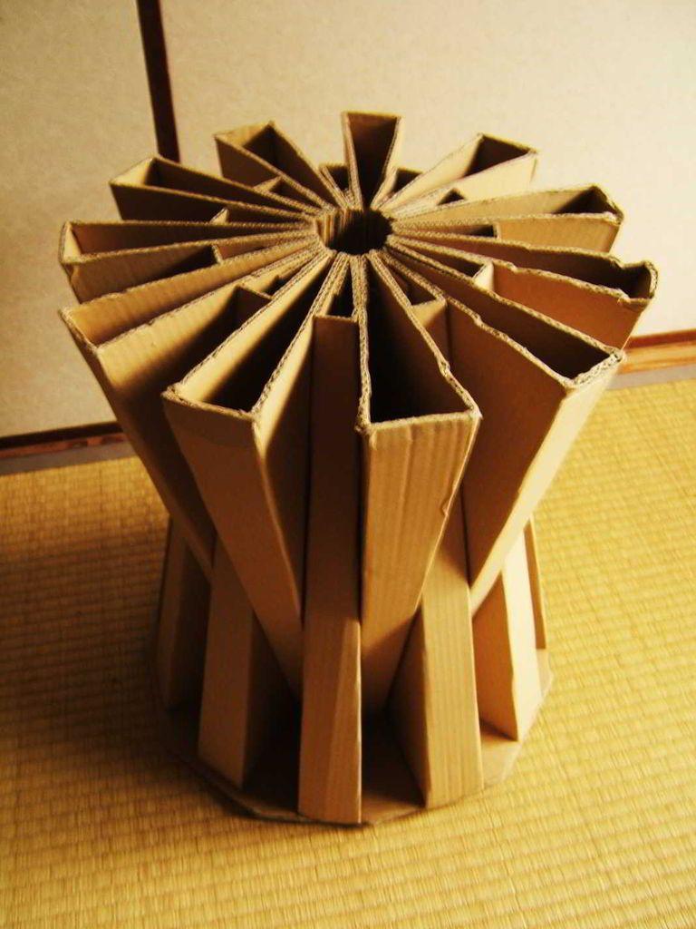 papel. papelão. base para mesa