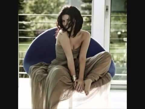 Me Faltas Amor Mio (Laura Pausini)