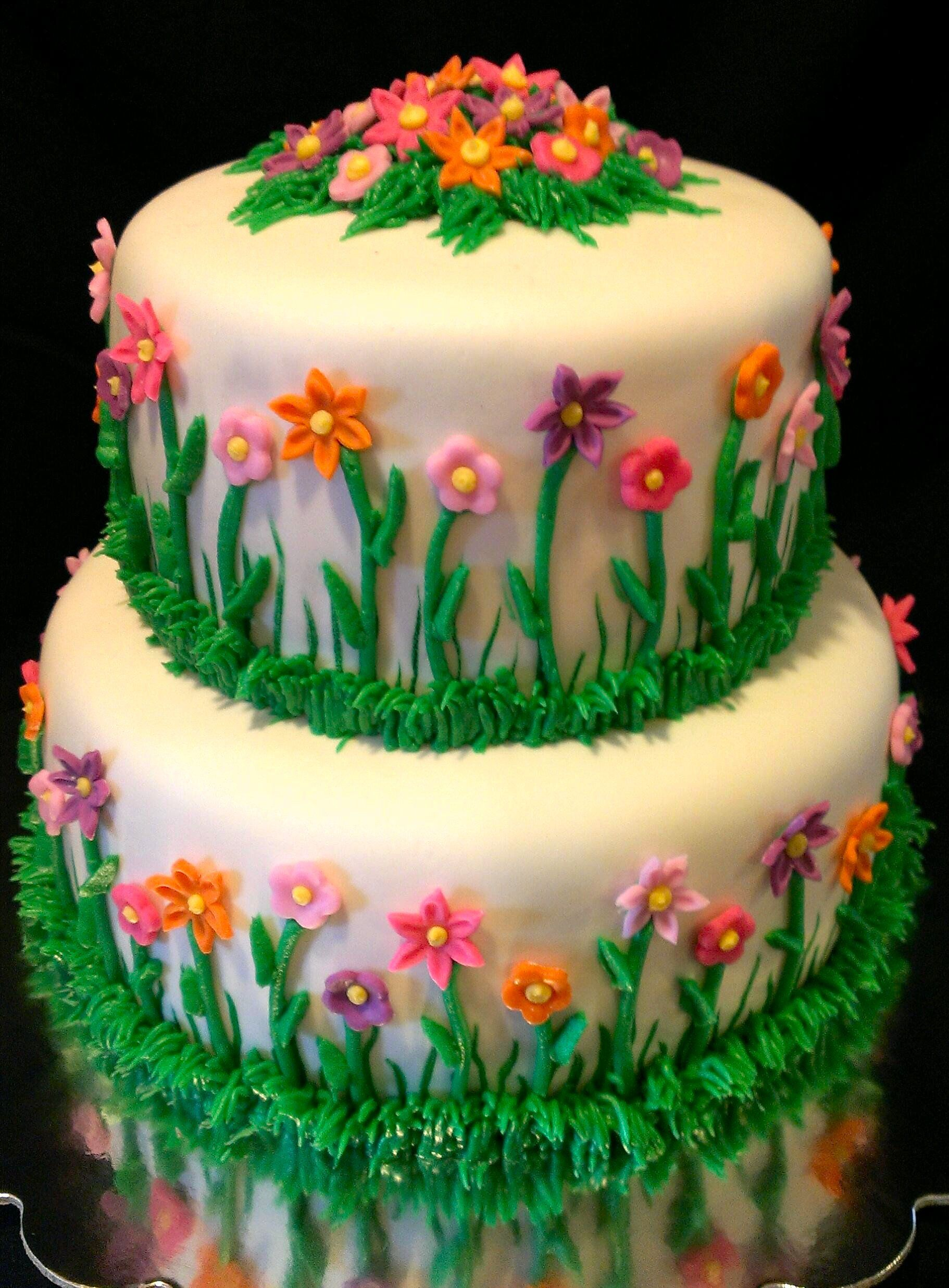Flower Garden Cake With Images Garden Birthday Cake Garden
