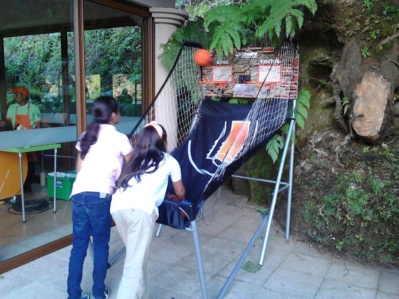Divertido Basket Ball Electrónico, para todas las edades.  www.laferiamagica.com
