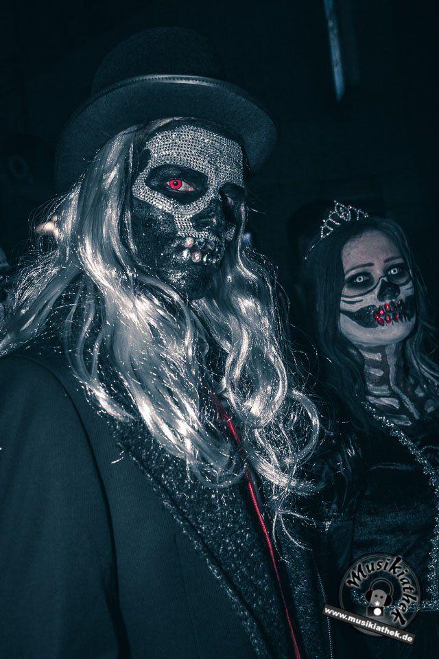 Einige Der Besten Kostüme Beim Zombiewalk Essen 31102017