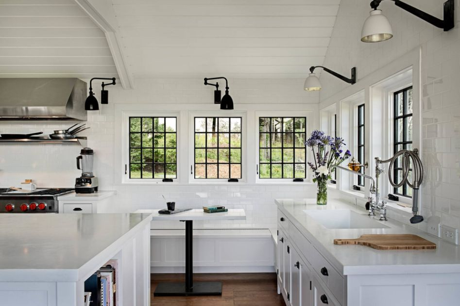 Schone Designs Umrahmt Von Schwarzen Fensterleisten Designs