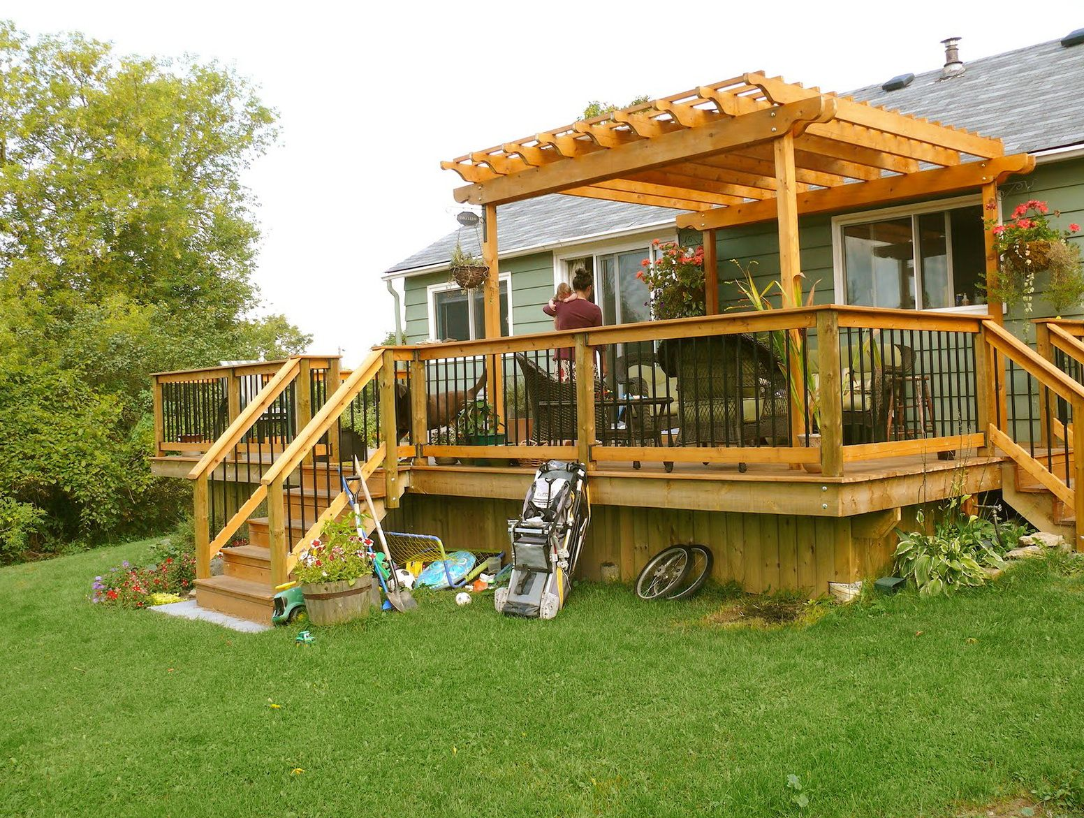 Small deck pergola designs home design ideas decks for Deck house designs